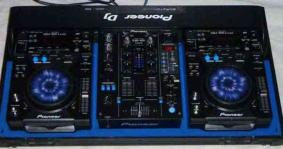 Pioneer cdj 400/djm 400 Package Limited Edition in Allen TX 9725218068