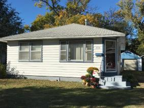 2 Br 1 Bath Bungalow In Mcpherson Clean And Move In Ready