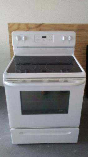 Frigidaire Flat Surface Stove