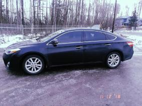Excellent Condition Toyota Avalon With Two Sets Of Tires