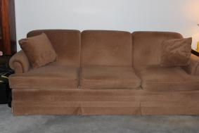 Brown Plush Sofa Couch With 2 Pillows