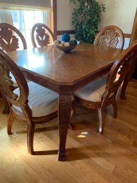 Oak Dining Room Table With China Cabinet