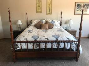 Thomasville Bedroom Furniture Set