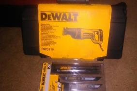 Dewalt Reciprpcating Saw Kit